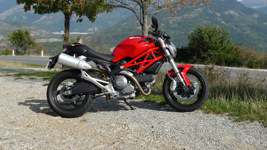 ducati monster 696 review | helmet hair - motorcycle blog