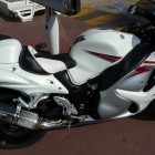 A pretty trick Hayabusa. The busa is also a popular bike in Cannes.